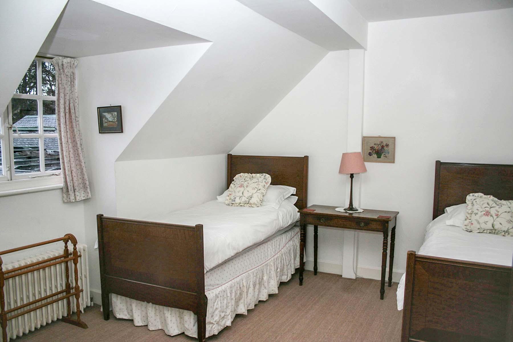 Alvie Estate Top Flat Twin Bedroom