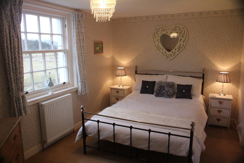 Alvie Estate Park Cottage Double Bedroom
